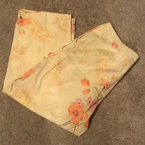 Izod Stretch Yellow Floral Capri Pants Size 14